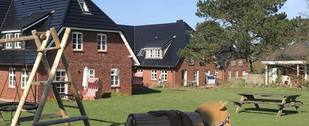 Spielplatz für unsere kleinen Gäste Strunwai 3a/3b