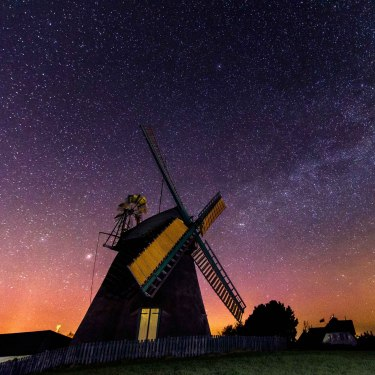 Windmühle Amrum bei Nacht, © Jens Krüsmann