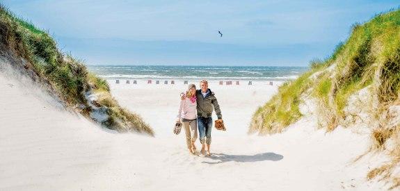 Paar am Kniepstrand auf Amrum, © Oliver Franke